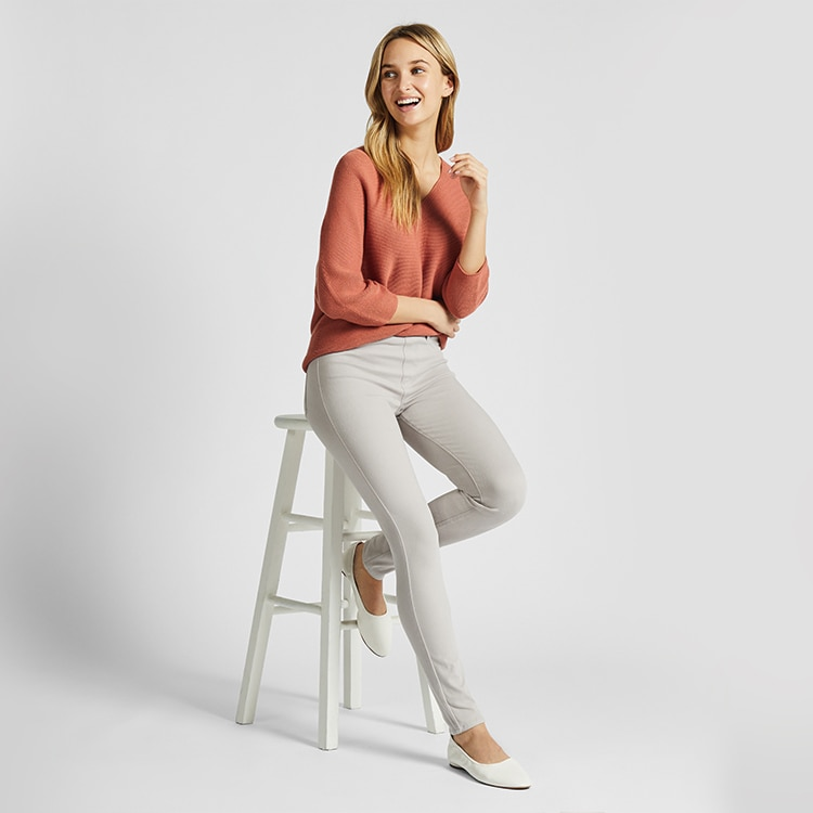 75b7c7b911671 Women's Collection: Shirts, Jeans, Leggings, Bras & More | UNIQLO US