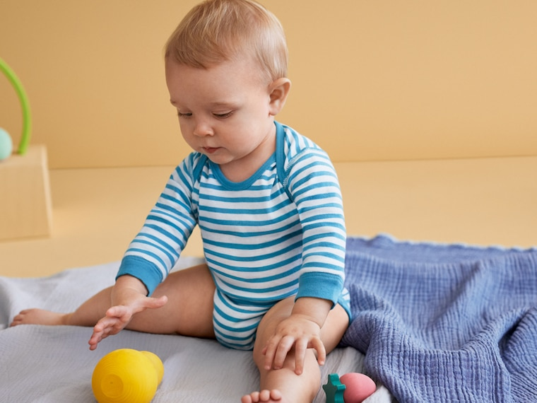 baby crew neck long-sleeve bodysuits