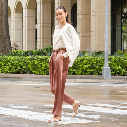 Drape Relaxed Tapered Ankle Pants