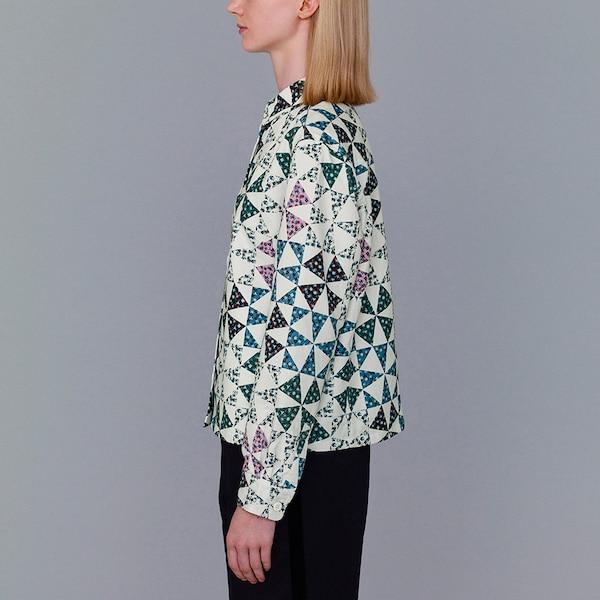 フラワープリントシャツジャケット(長袖)(KJ)