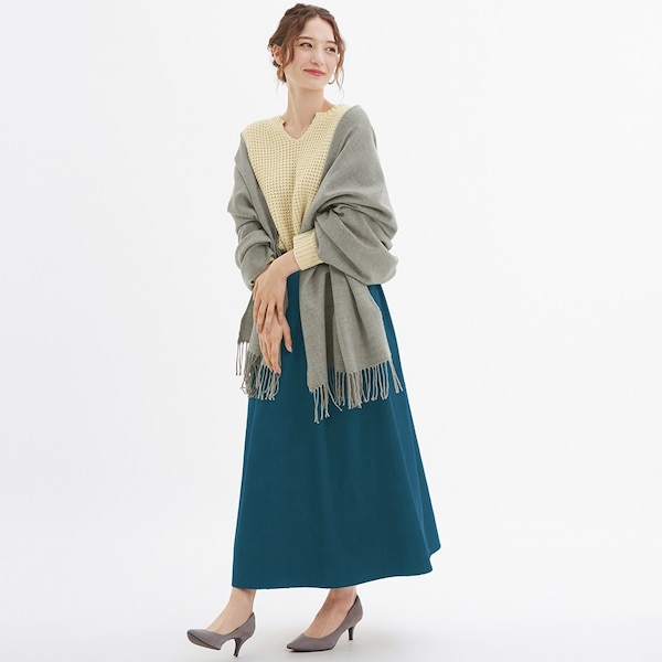 https://image.uniqlo.com/GU/ST3/AsianCommon/imagesgoods/317499/item/goods_03_317499.jpg