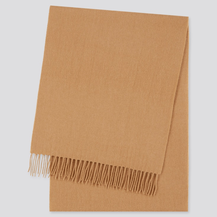 Mens cashmere scarves from Uniqlo