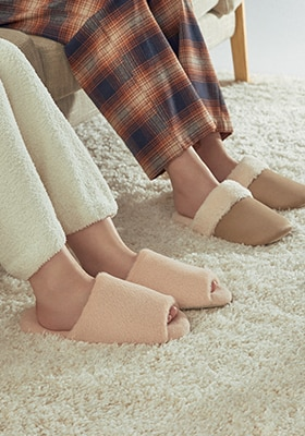 Slippers & Room Shoes