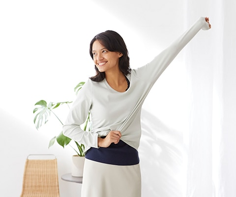 RIBBED CREW NECK LONG SLEEVED T-SHIRT<
