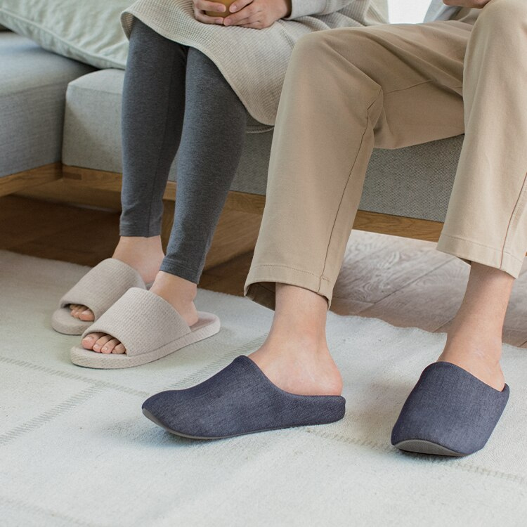 Slippers image 1