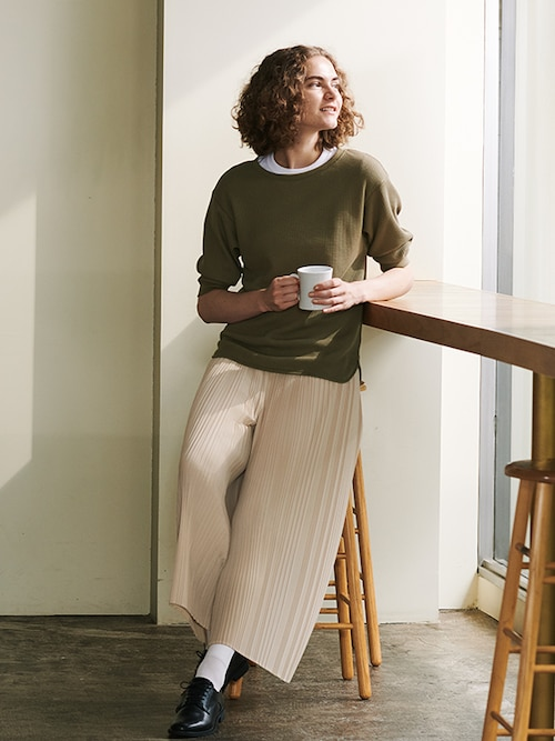 model image of pleats collection pants 6