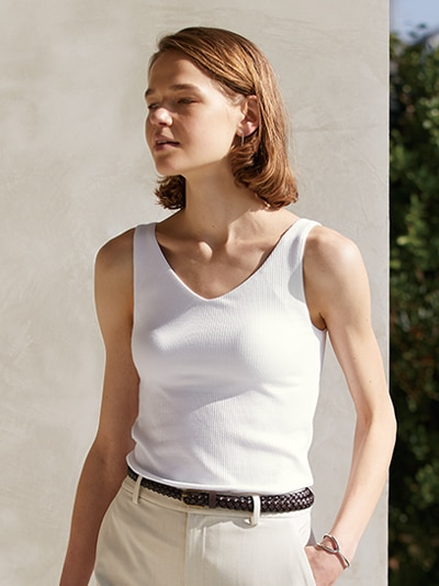 model image of bra tops 21ss 4