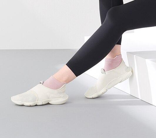 women socks and hoisery